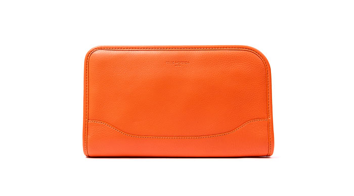 ペッレモルビダ Capitano leather clutch bag