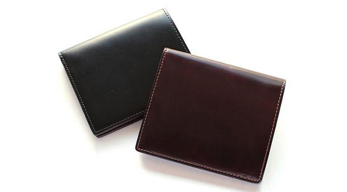 セッラトゥラの二つ折り財布